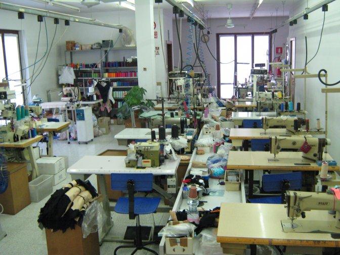 Moda mare e abbigliamento glam confezioni mare moda for Aziende di design