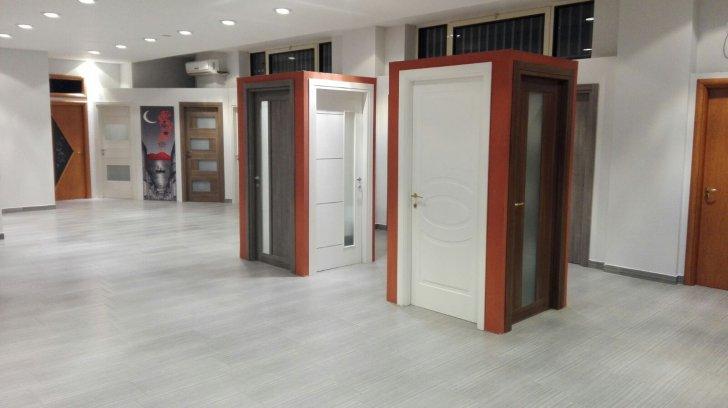 Showroom e vendita porte e infissi porte e infissi for Infissi napoli prezzi